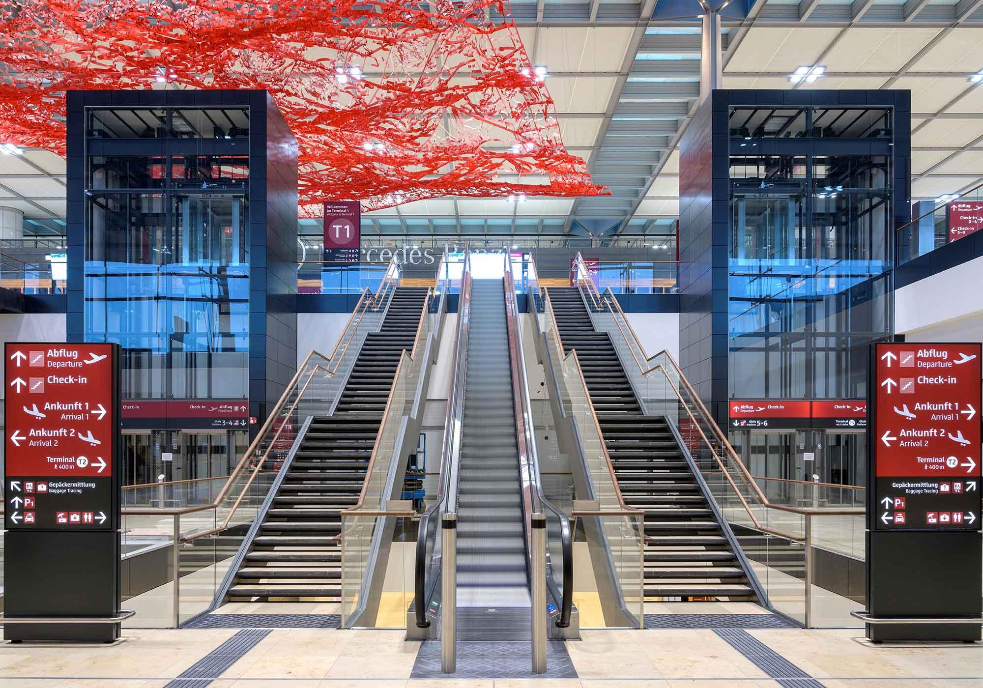 Bild: Berlin Flughafen Halle